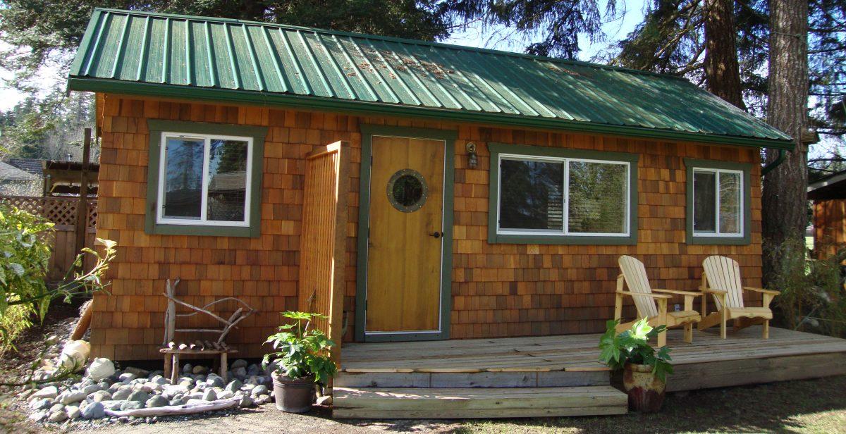 Cedar Cottage Near the Sea